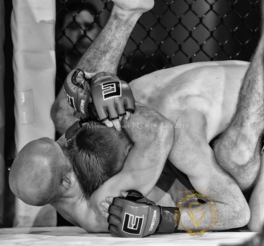 Sam Breur vs Brogaard_Fight of the Night- (17 of 49).jpg