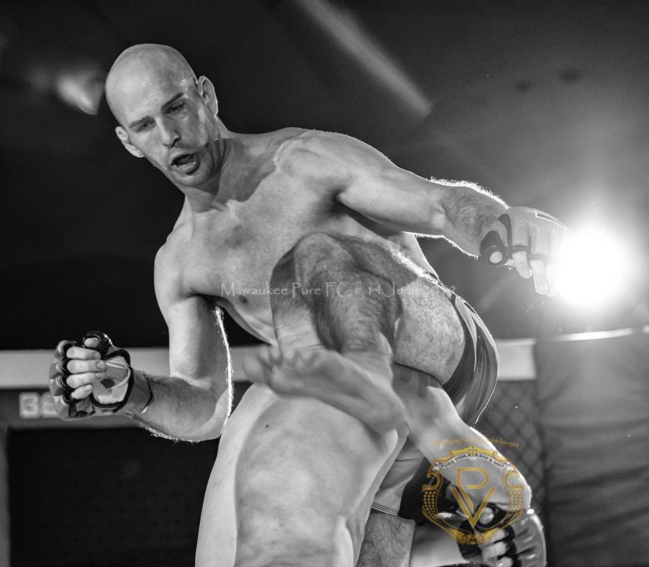 Sam Breur vs Brogaard_Fight of the Night- (21 of 49).jpg