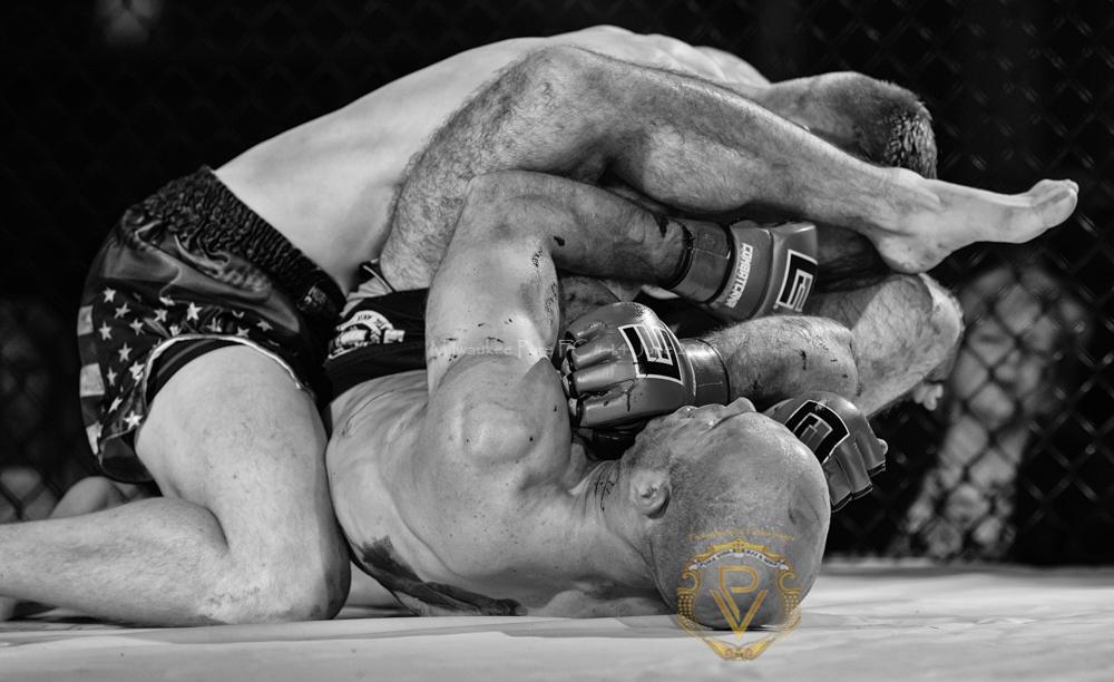 Sam Breur vs Brogaard_Fight of the Night- (28 of 49).jpg