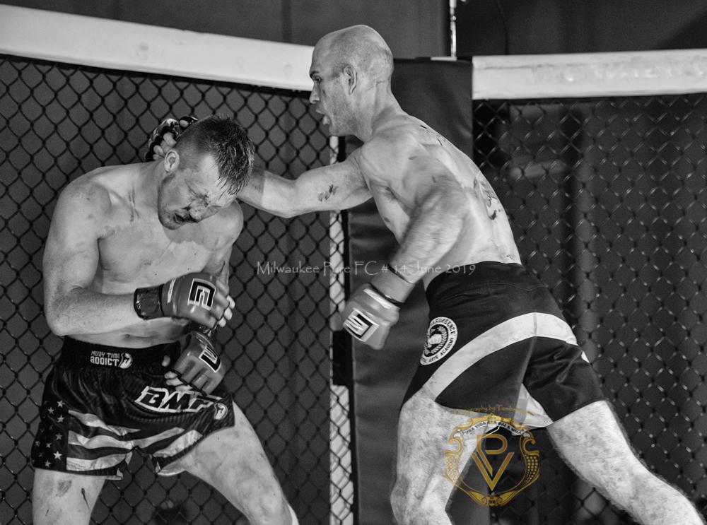 Sam Breur vs Brogaard_Fight of the Night- (40 of 49).jpg