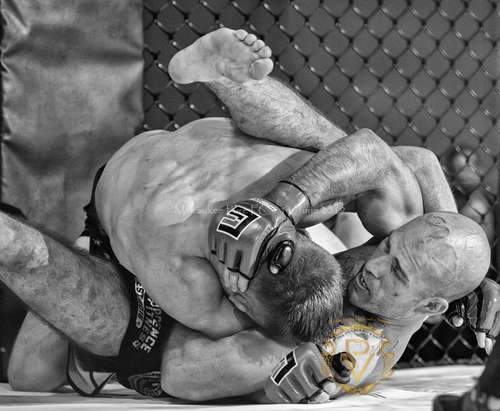 Sam Breur vs Brogaard_Fight of the Night- (44 of 49).jpg