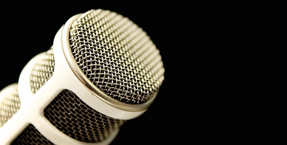 podcast_mic-cc-990x501.jpg