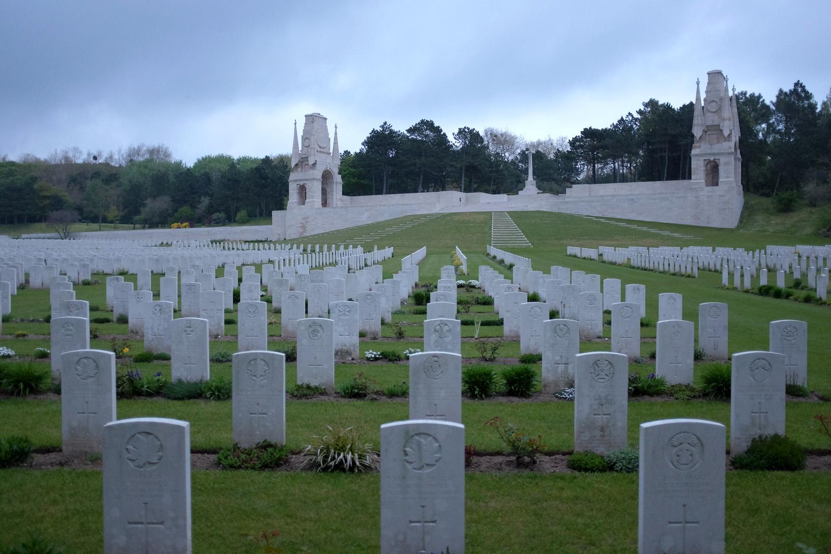 Etapels Military Cemetery-1.jpg