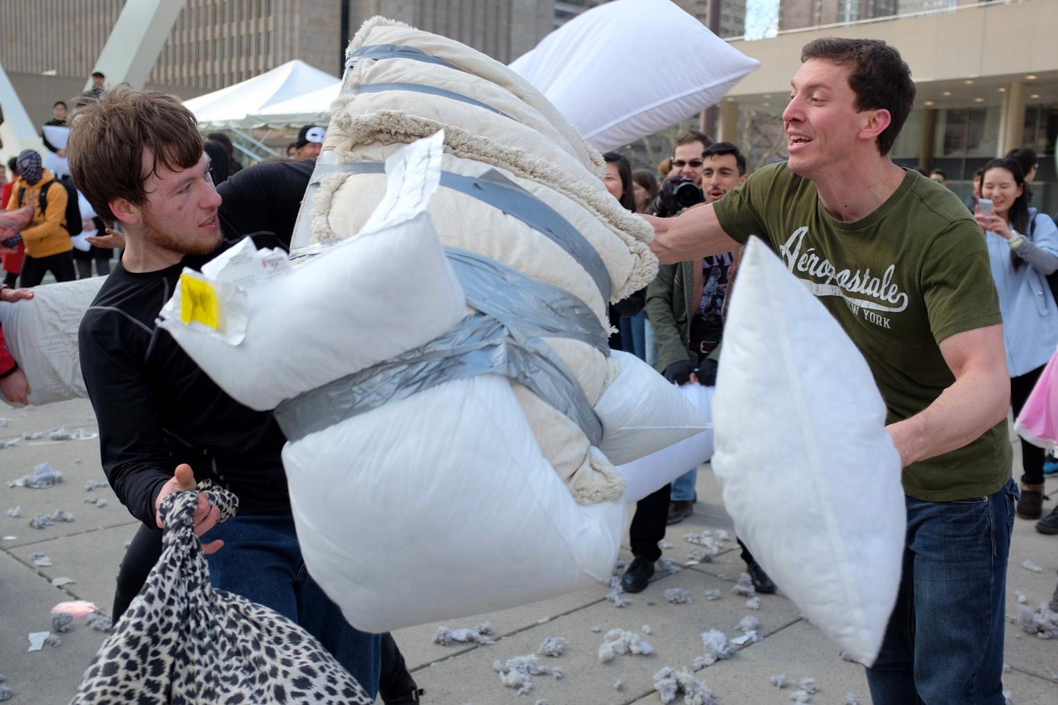 Pillow Fight-100dpi-19.jpg