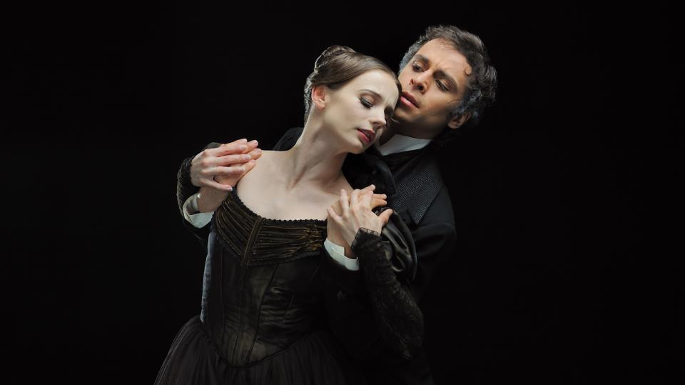 Maria Kochetkova and Vitor Luiz in John Cranko's Eugene Onegin.©Erik Tomasson