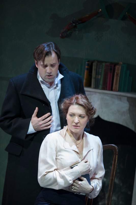 Viktoria Vizin as Charlotte, Jonathan Boyd as Werther.  ©James Glossup