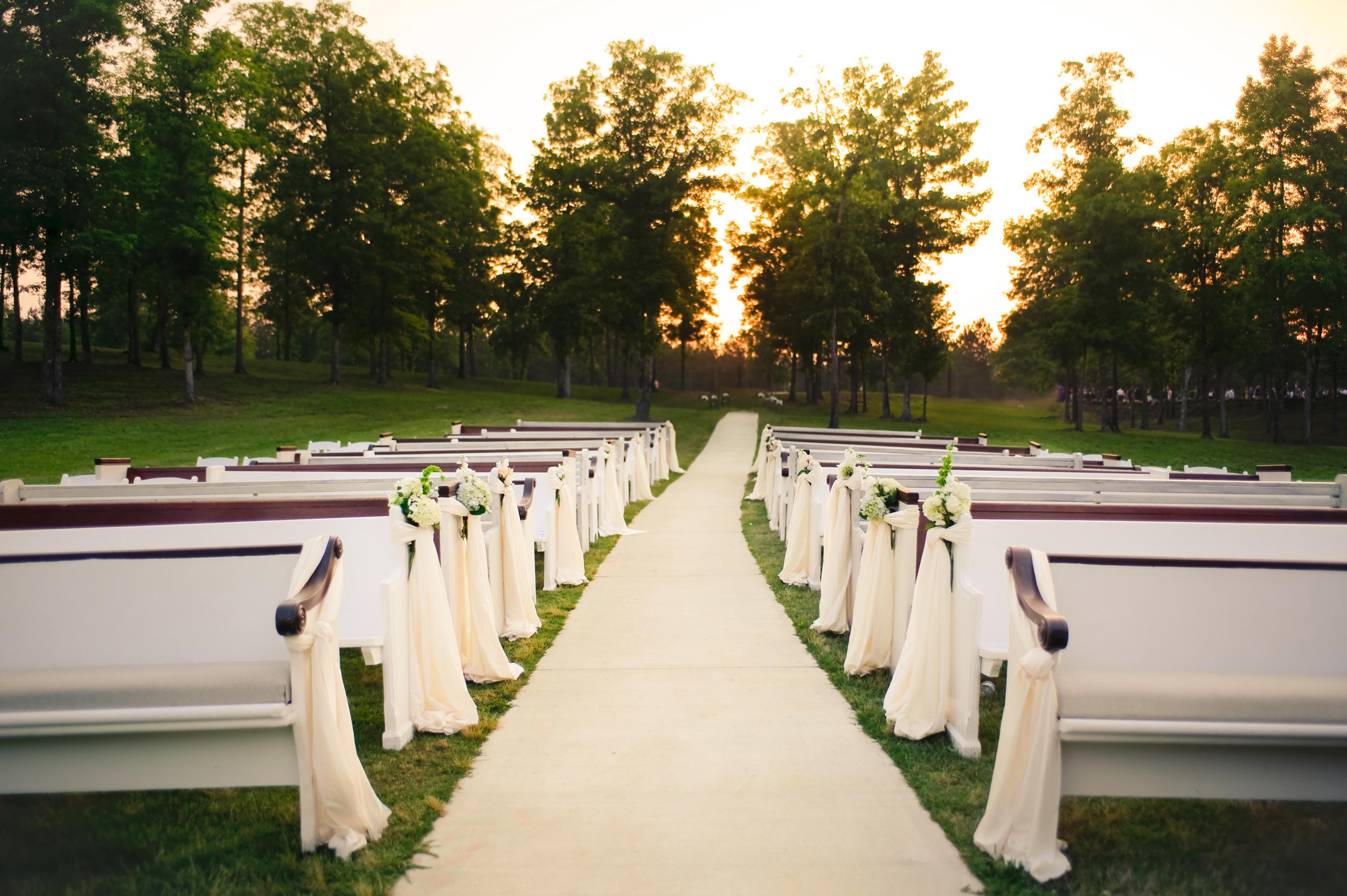 Church pews at a Southern Wedding