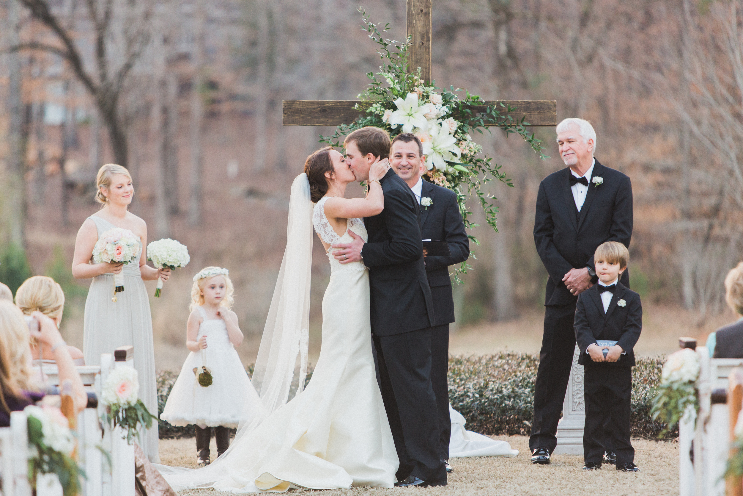 Pews at a Southern Wedding. Photography by Taylor Lord Photography