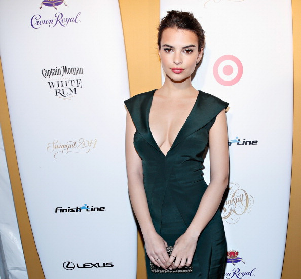 8df4ba3d0a757317-Emily-Ratajkowski-dress-Sports-Illustrated-Swimsuit-50th-Anniversary-Party.jpg