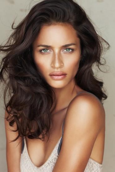 Amanda-Reardon-BECCA-new-select-1-370x555.jpg
