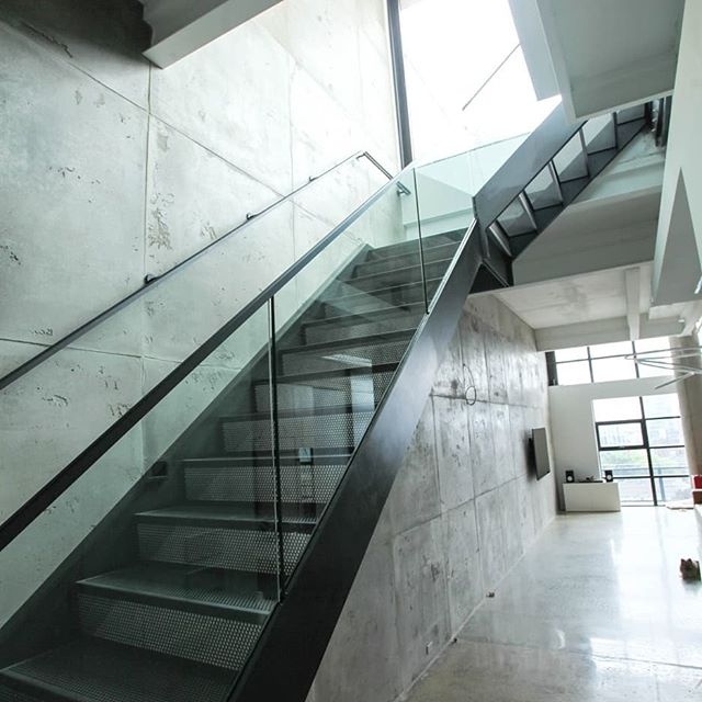 Steel plate, perf & glass. Classic. #steelstair #perfstairs #modernstaircase #stairporn