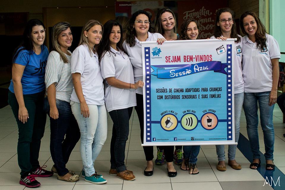 Equipe da Sessão Azul (da esquerda para direita): Mariana Vitorato, Tatiana Balbina, Priscila Mallouk, Bruna Manta, Carolina Salviano, Adriana Costa, Rafaela Figueiredo, Maria Eduarda Figueiredo e Flávia Fabres.