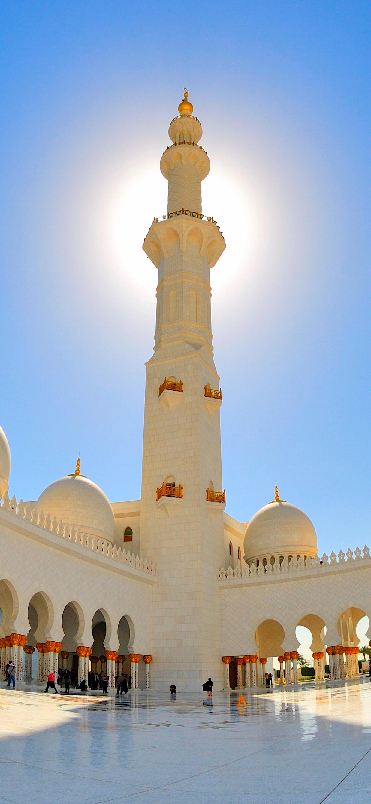 Minaret at Sheik Zayed Bin Sultan Al Nahyan Mosque.