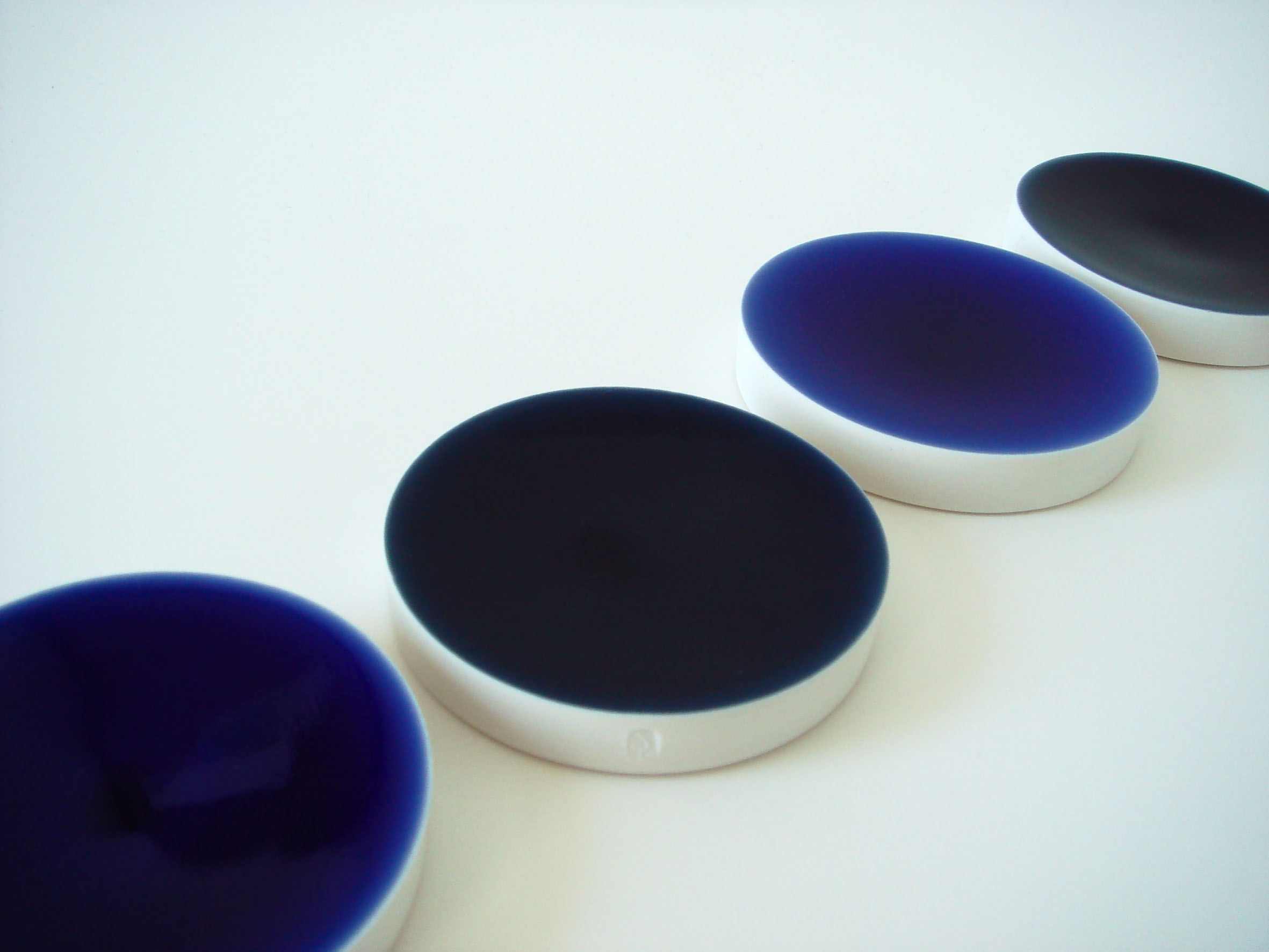 Yozora / 2009  Material / Thrown-porcelain with blue glaze  Exhibited at Bath School of Art and Design, New Designers (London) and British Ceramic Biennale 'Fresh' (Stoke-on-Trent), 2009.