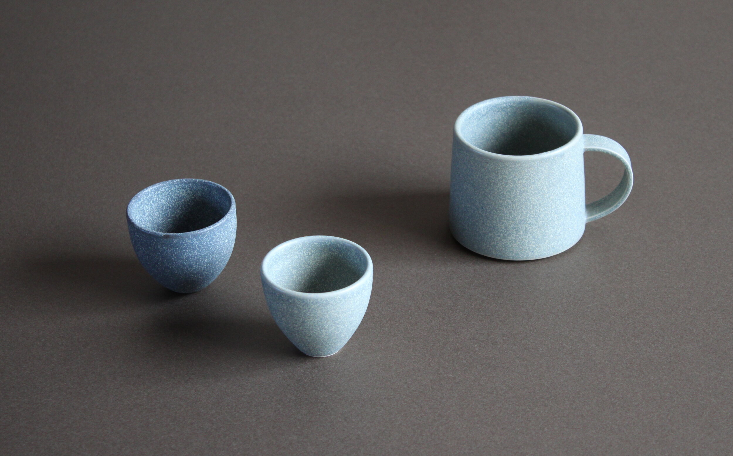 Lumipyry / 2019  A series of tableware, hand-thrown  Three types of clay and three glazes used