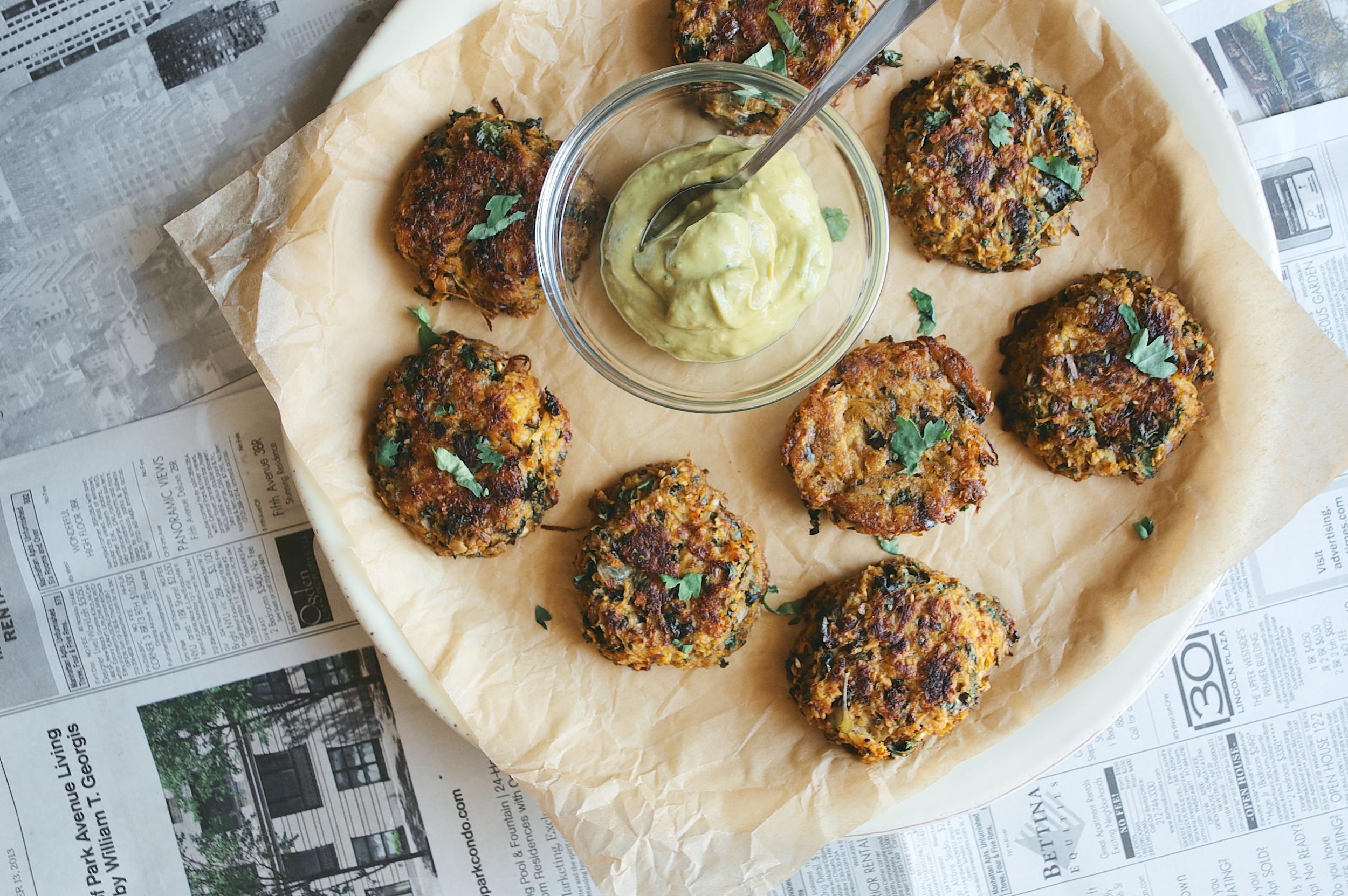 (baked) purple kale, cilantro + spaghetti squash cakes - dolly and oatmeal