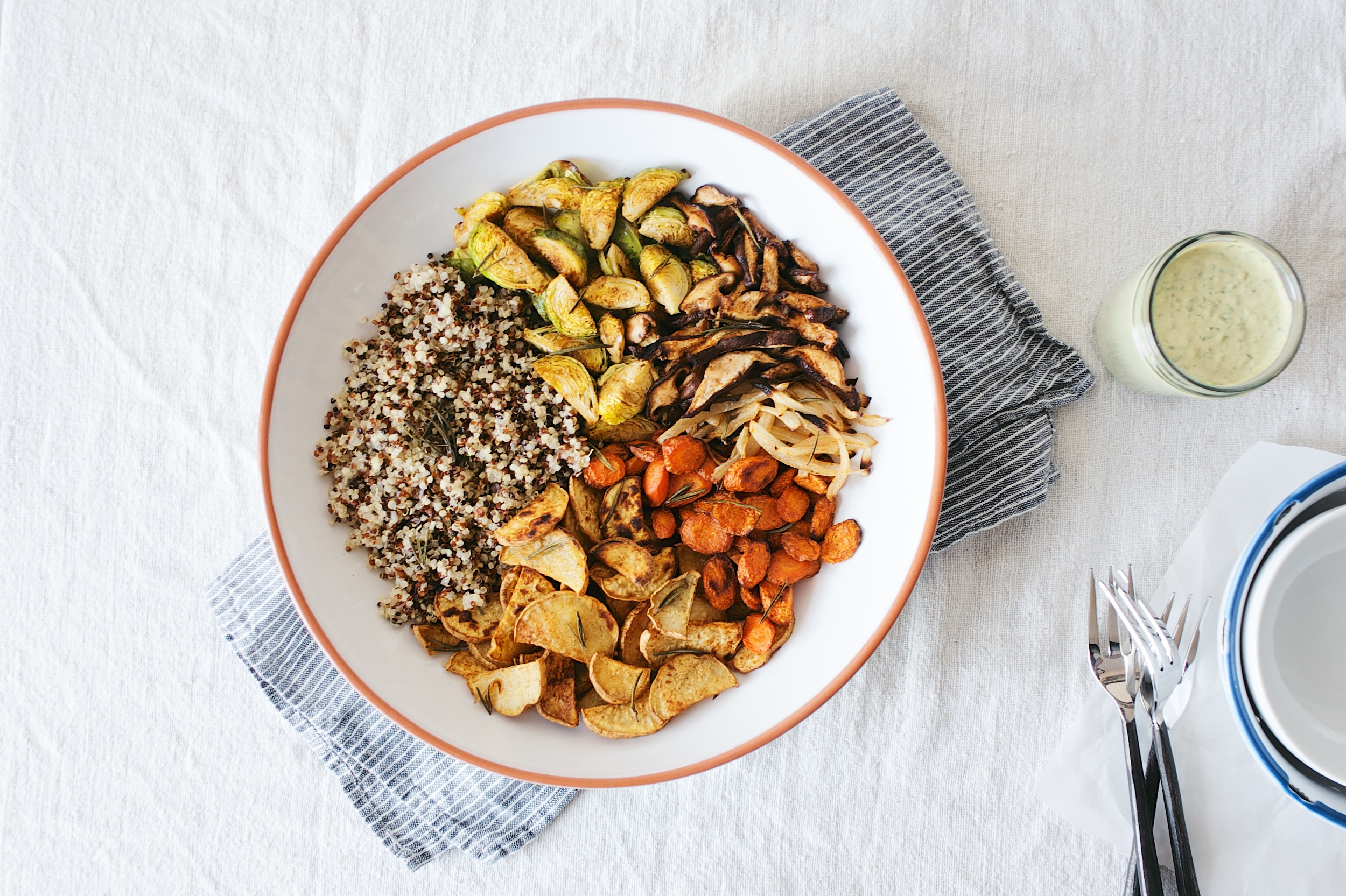 herb-roasted veggie bowl