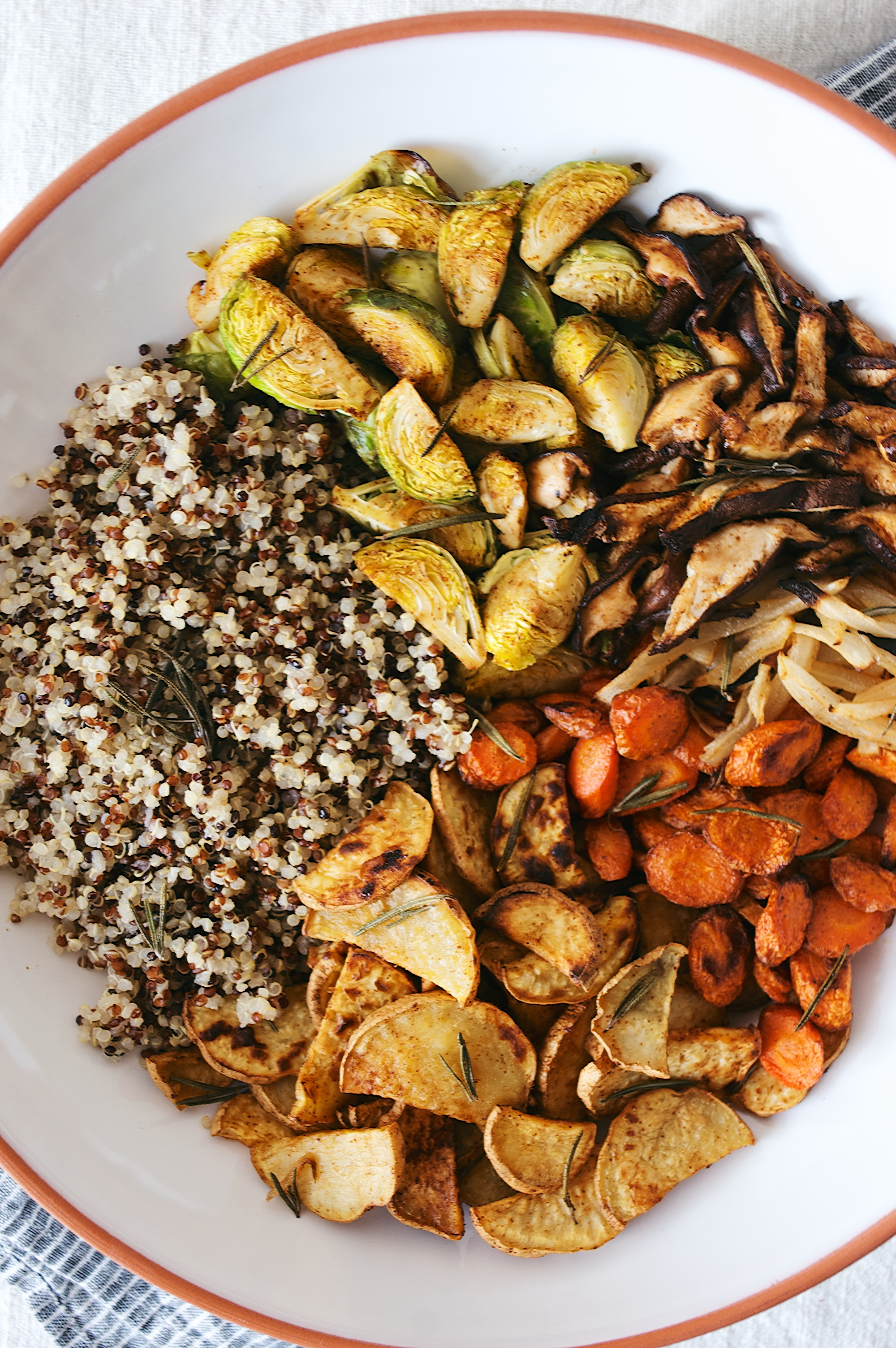 herb roasted veggie bowl