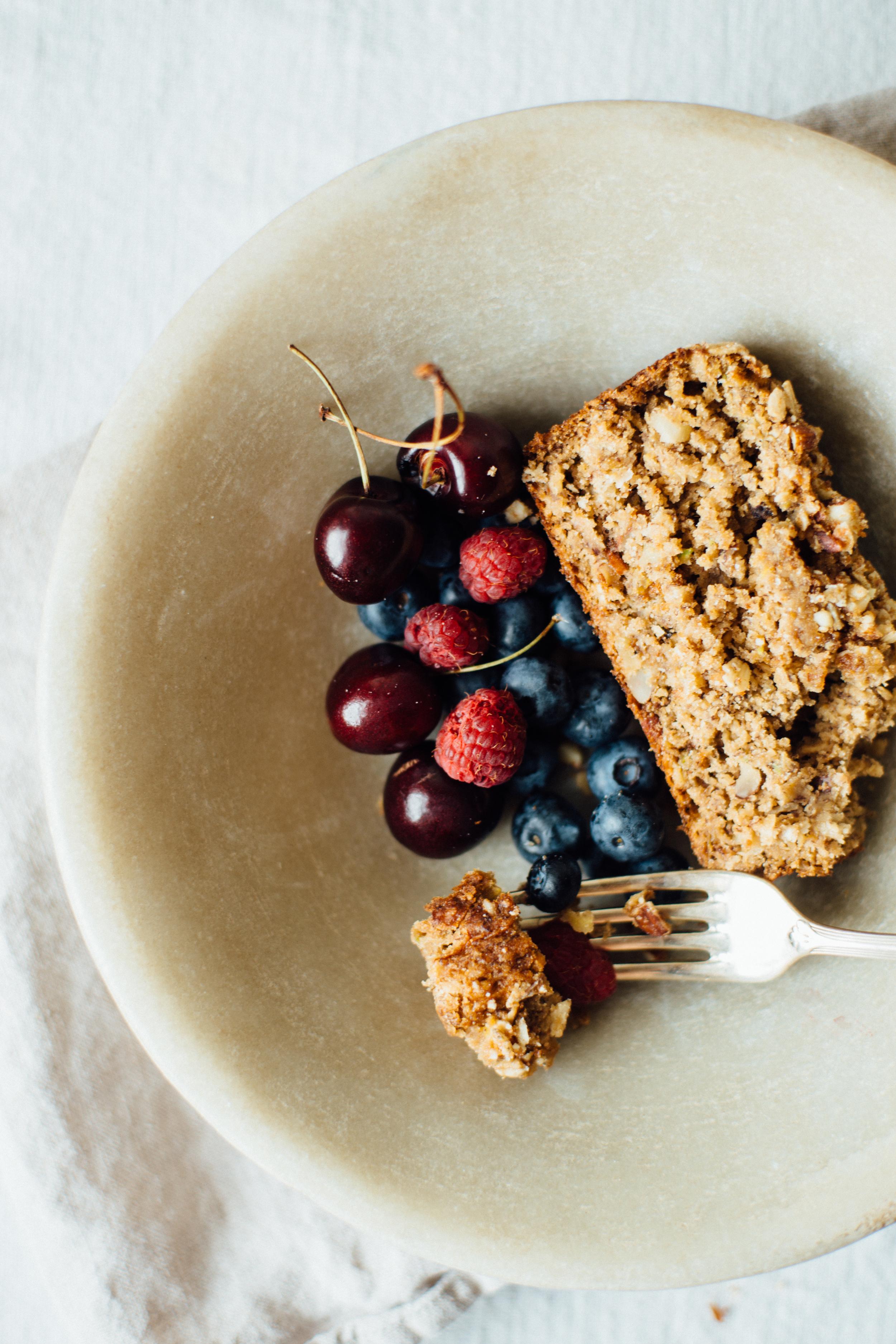 summer squash + banana-oat loaf | dolly and oatmeal