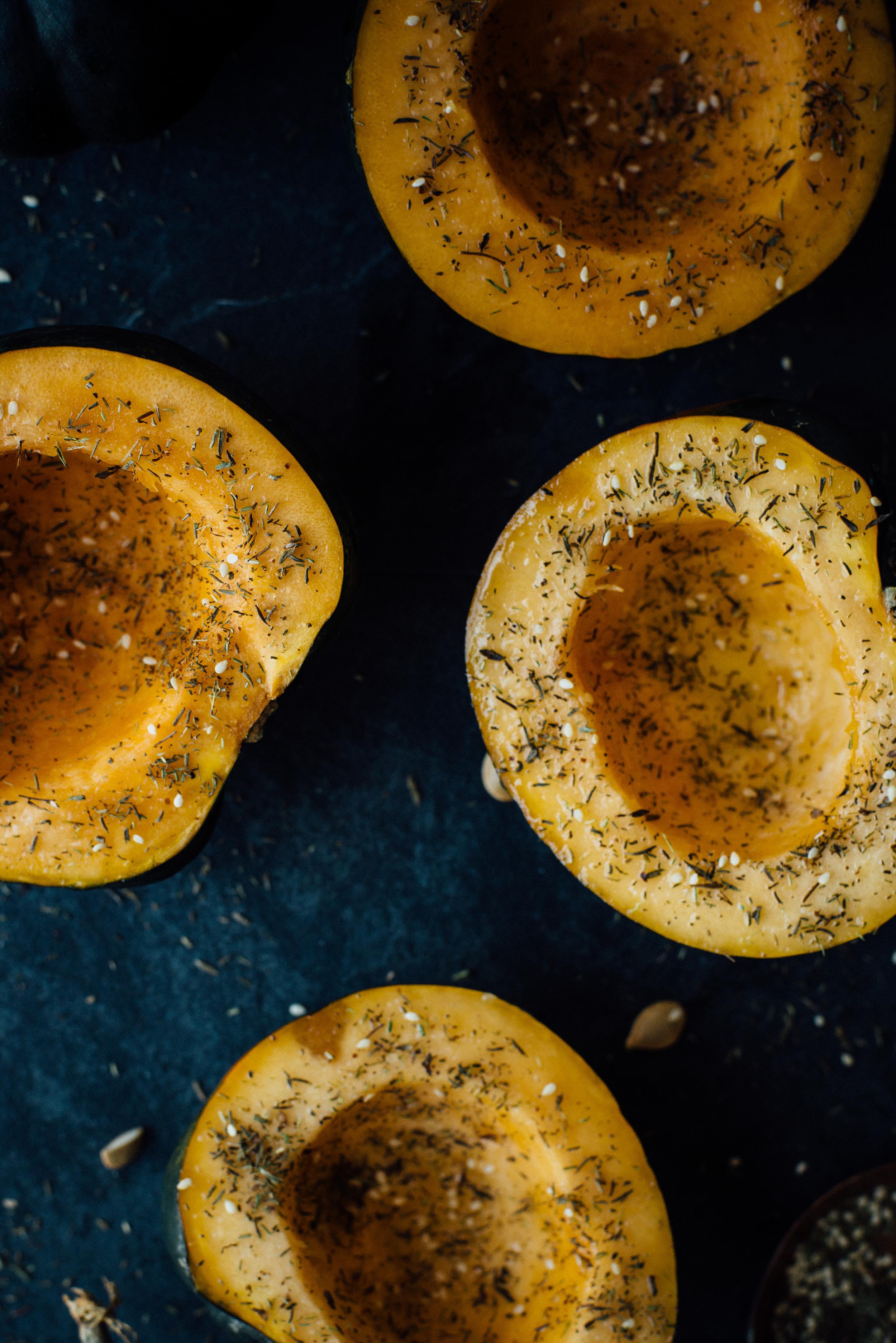 stuffed za'atar roasted acorn squash | dolly and oatmeal