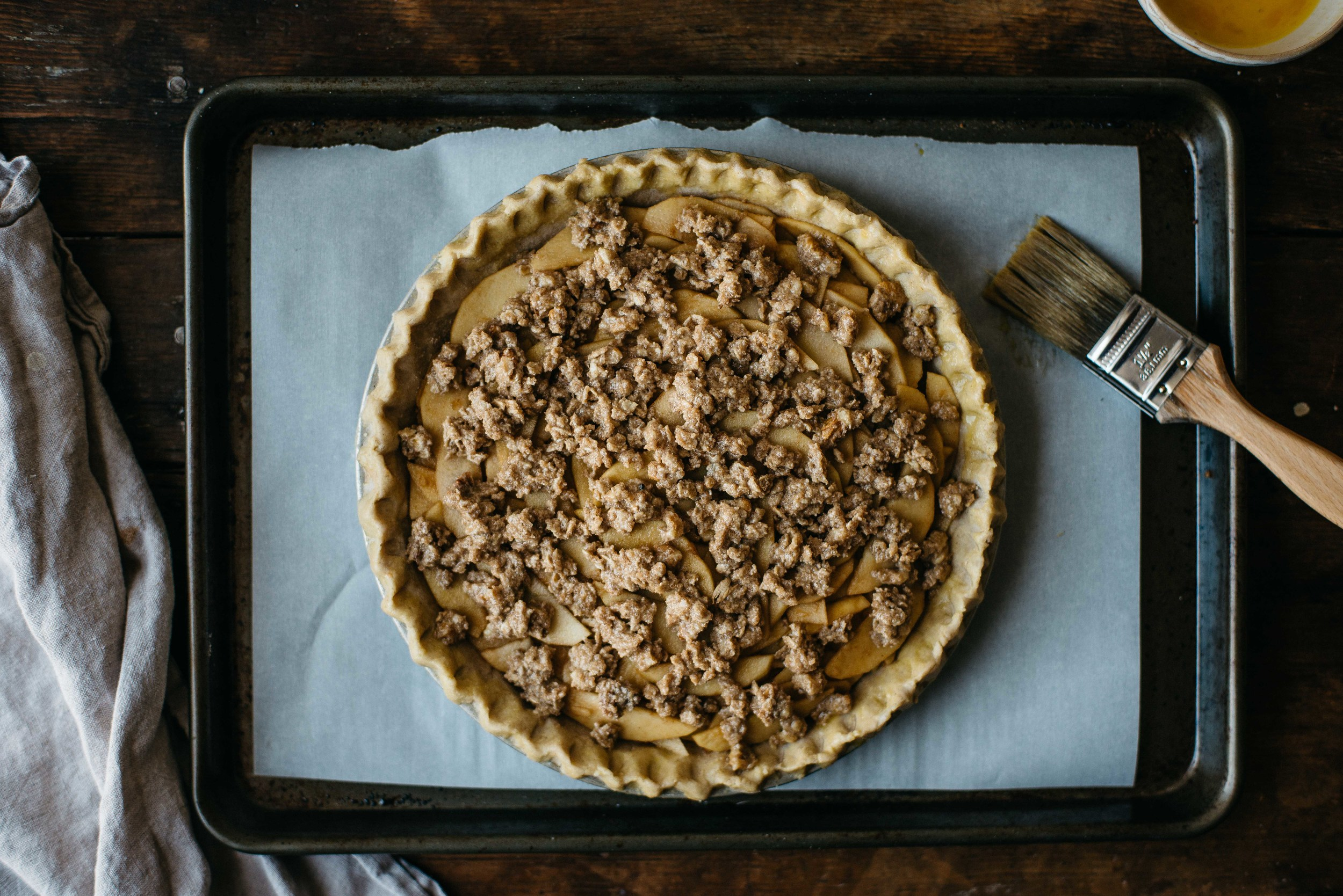 ginger-apple crumble pie | dolly and oatmeal