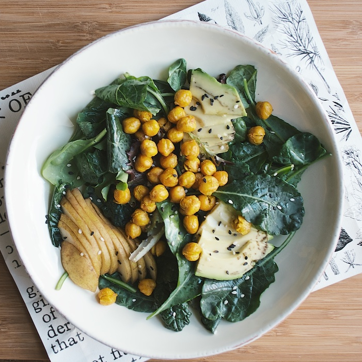 turmeric chickpeas w/ pear and kale