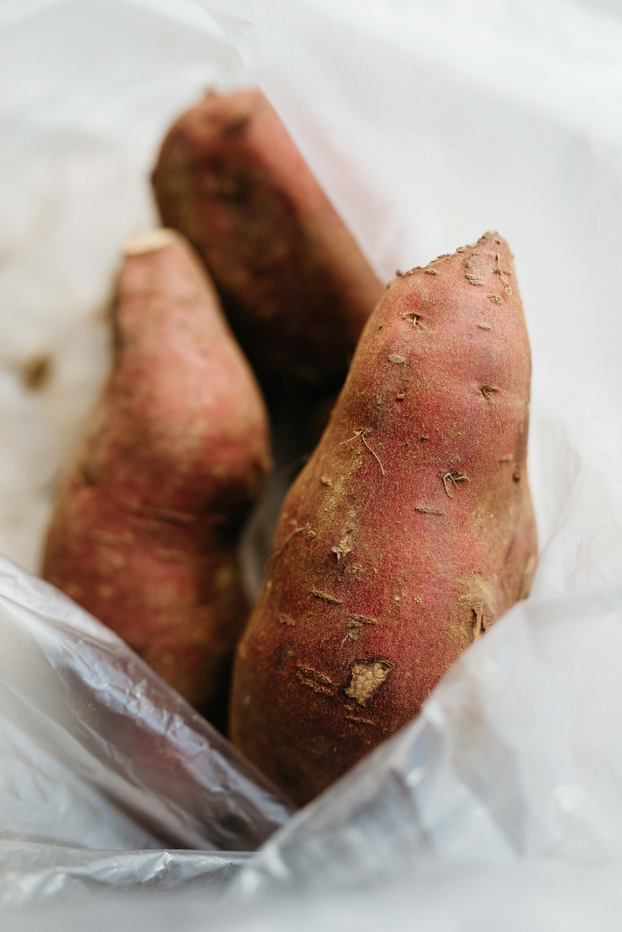 black lentil, sweet potato + kale chili w/ kabocha biscuits (v + gf) | dolly and oatmeal