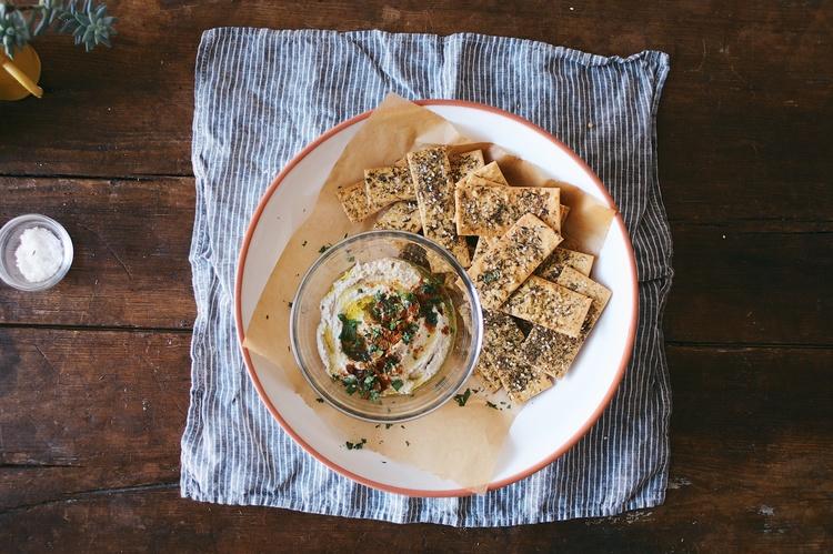 za'atar spiced chickpea crackers
