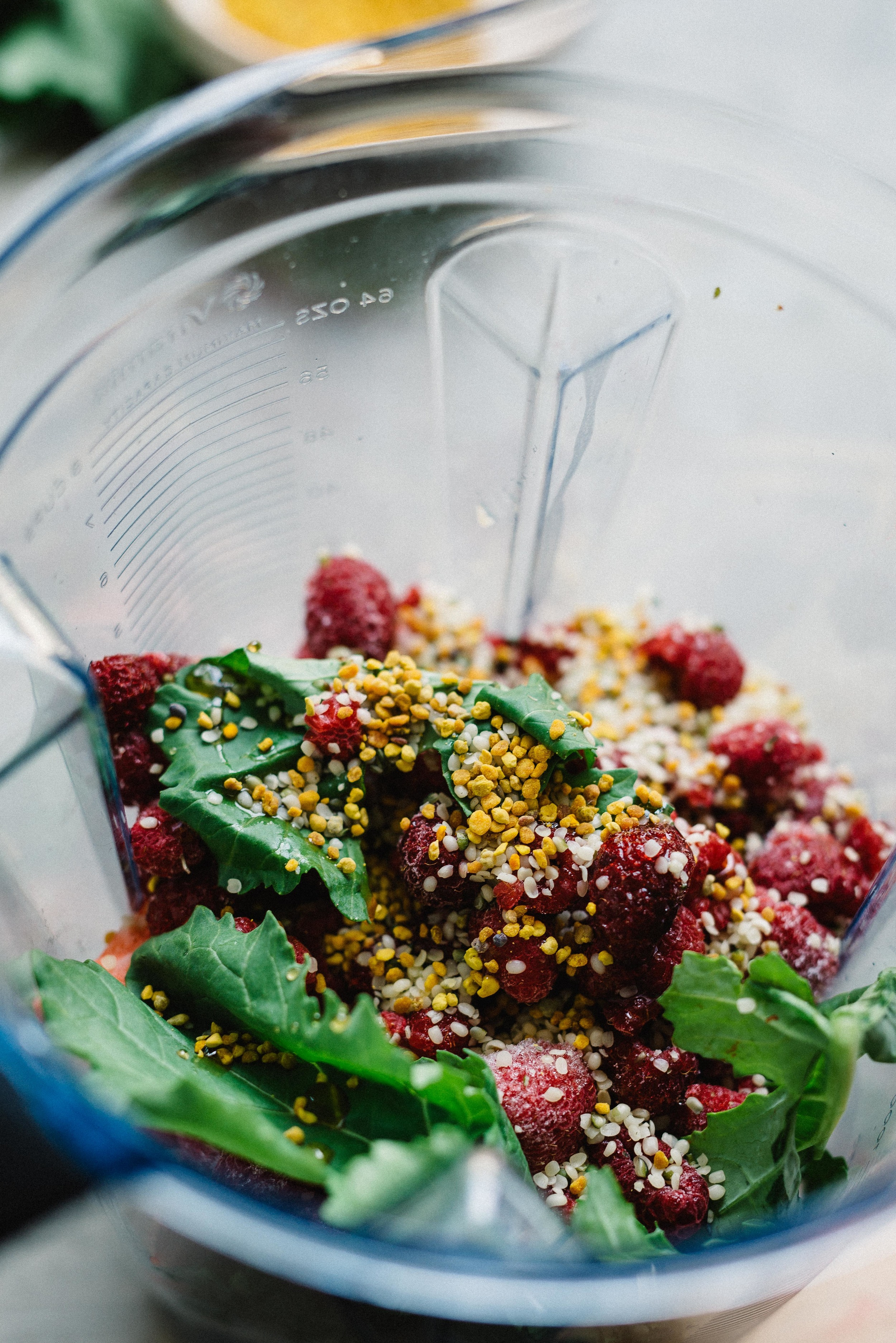 Bee Pollen, Berry & Broccoli Rabe Smoothie | dolly and oatmeal