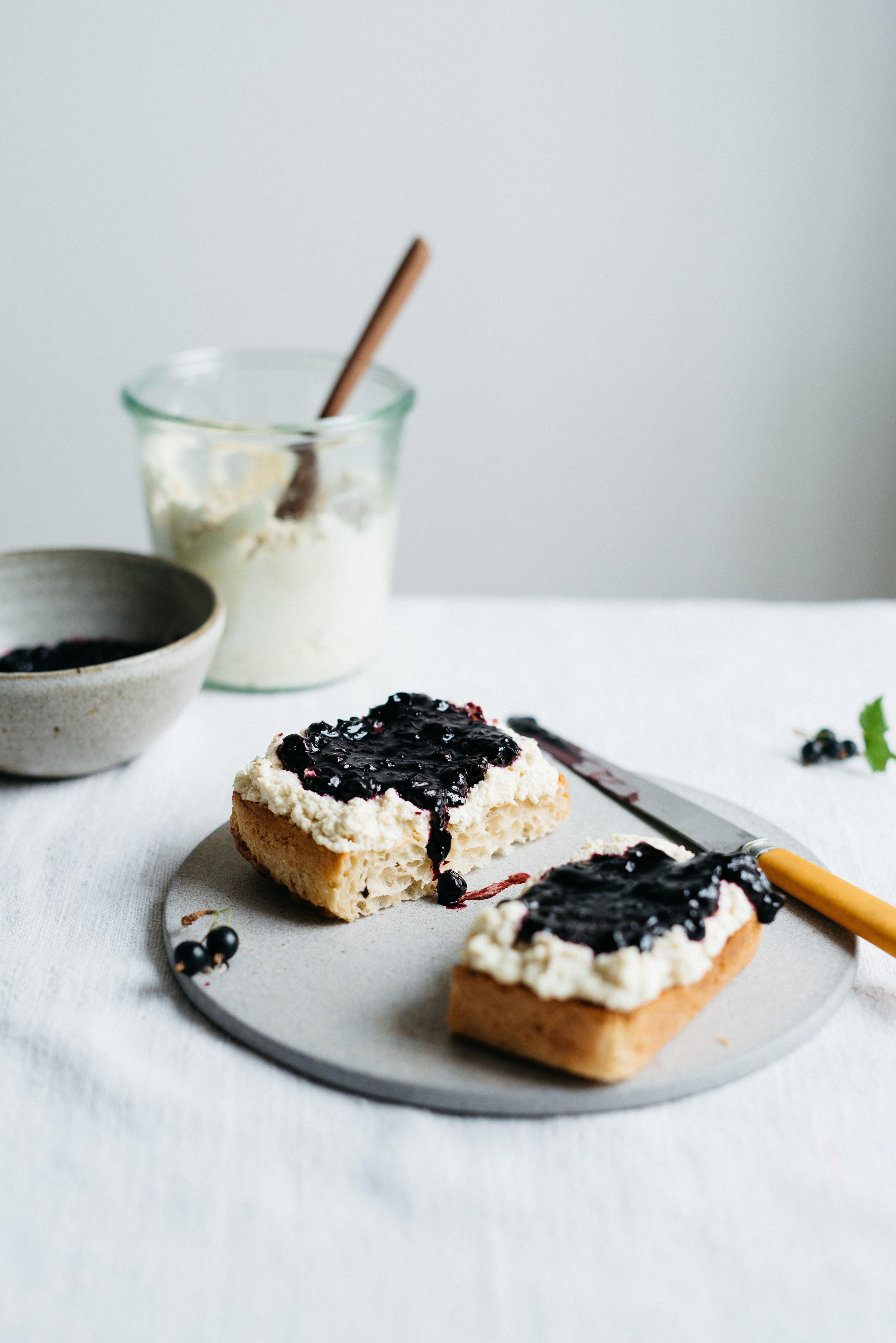 Summer Fridays!: Macadamia Ricotta & Black Currant Jam On Toast | V  | dolly and oatmeal
