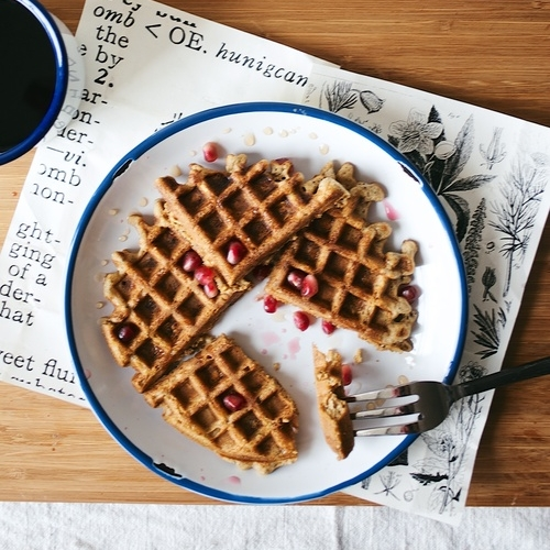 overnight oat waffles w/ lemon zest & poppy seeds