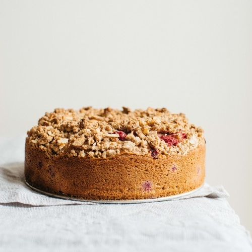 raspberry currant crumble cake