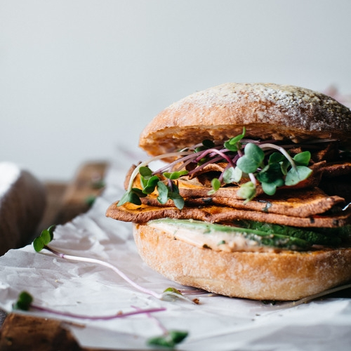 spicy sweet potato chip & avocado sammie
