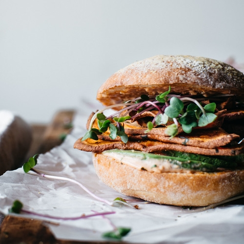 spicy sweet potato & avocado sammie