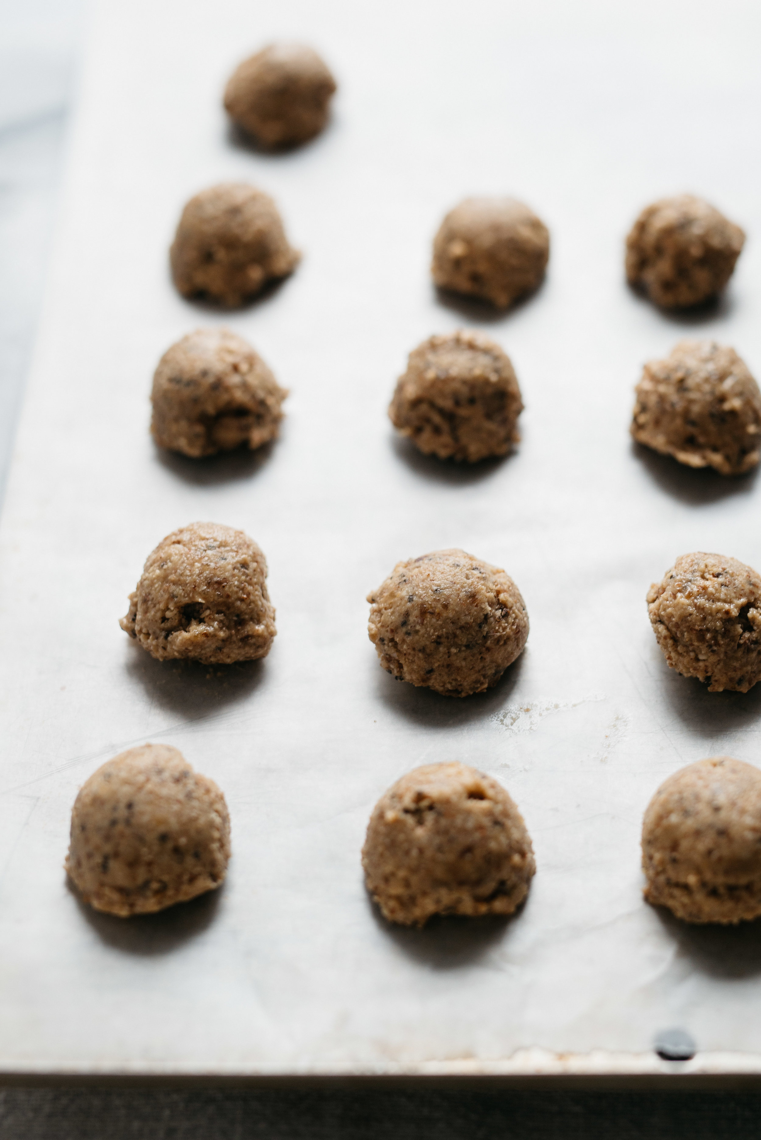 Almond-Cashew & Chia Balance Balls | dolly and oatmeal
