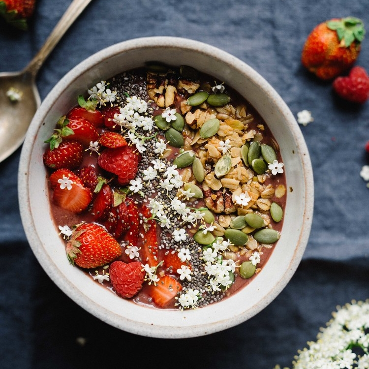 elderflower acai bowl