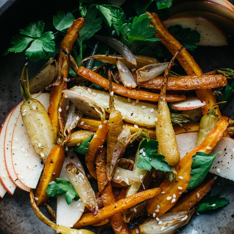 fennel roasted carrot & shallot salad w/ shaved apples