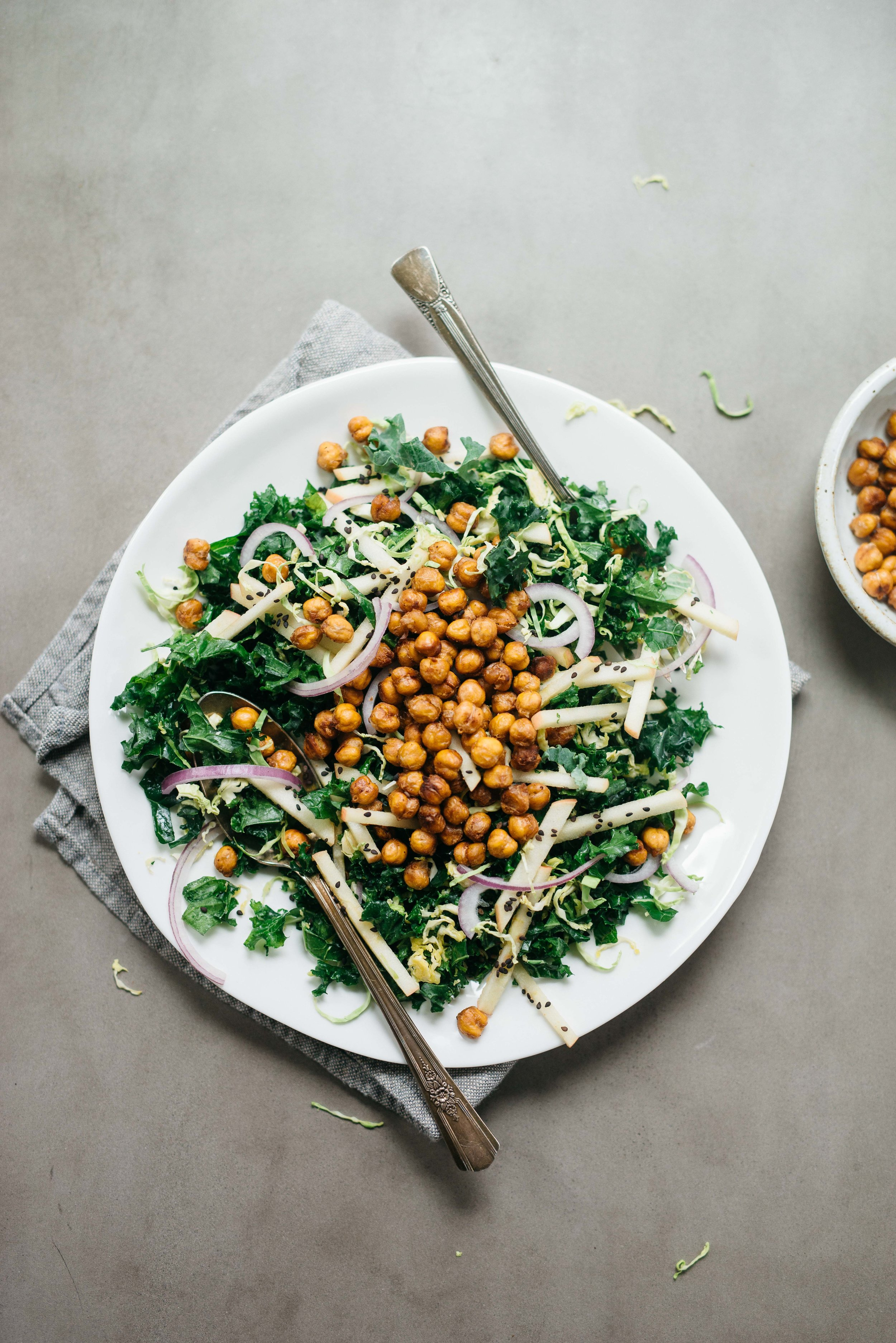 Garlicky Tamari Roasted Chickpea Salad | dolly and oatmeal