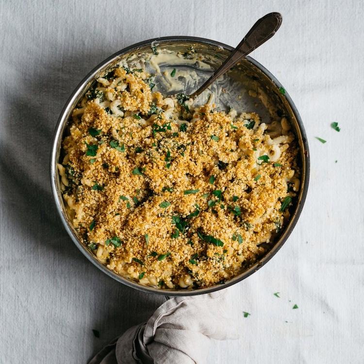 crusty-baked vegan alfredo w/ caramelized shallots & kale