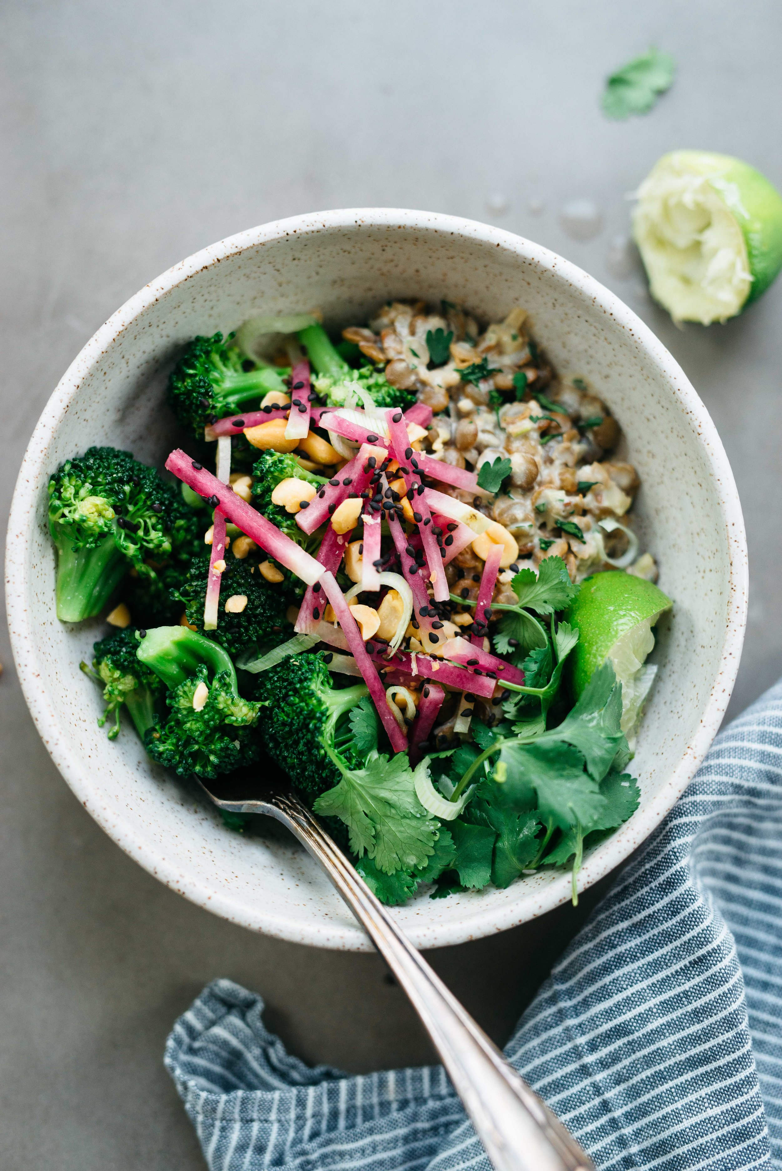 Spicy Broccoli Bowl w/ Creamy Ginger Lentils | Dolly and Oatmeal