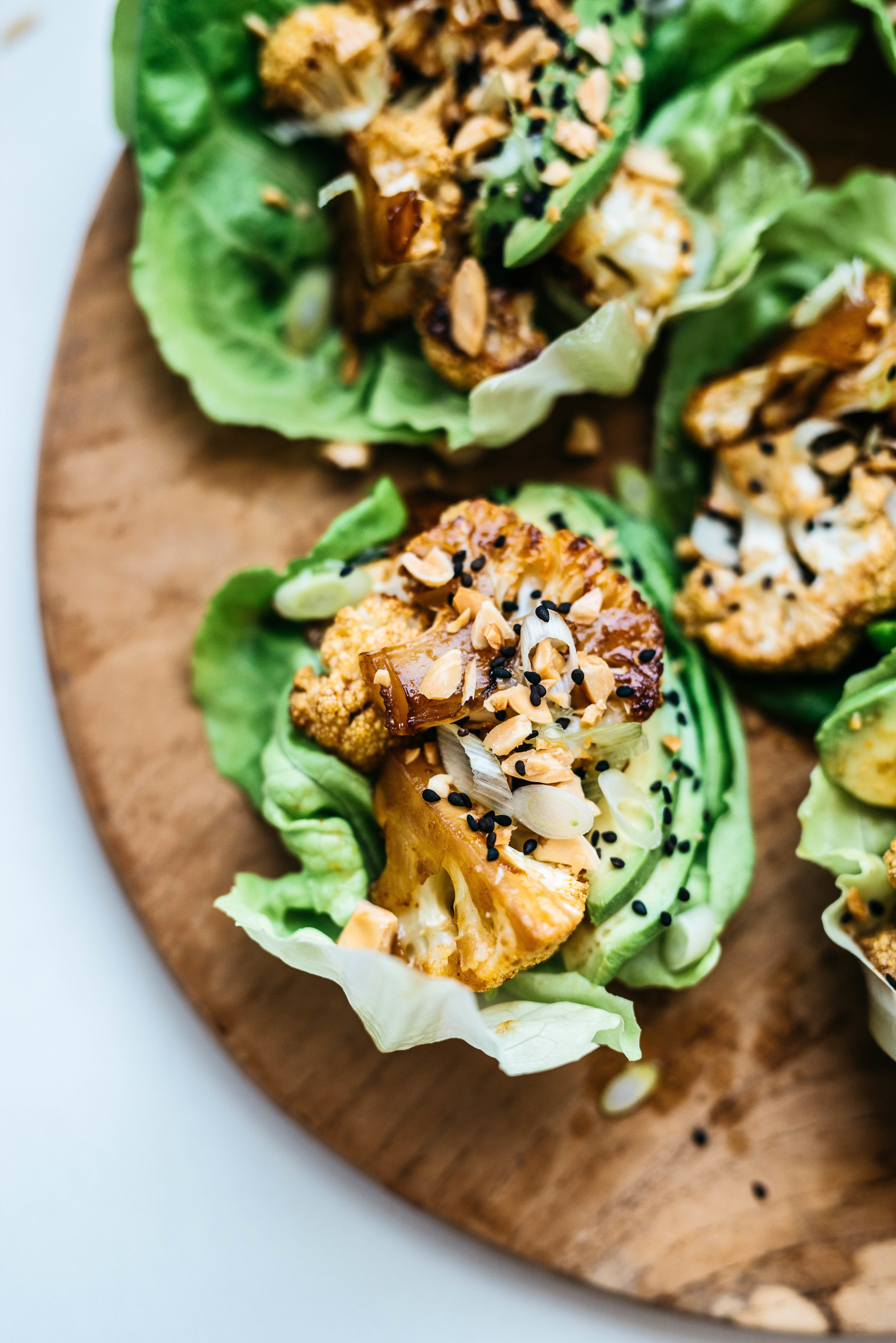 SWEET & SPICY CAULIFLOWER AVOCADO CUPS | Dolly and Oatmeal