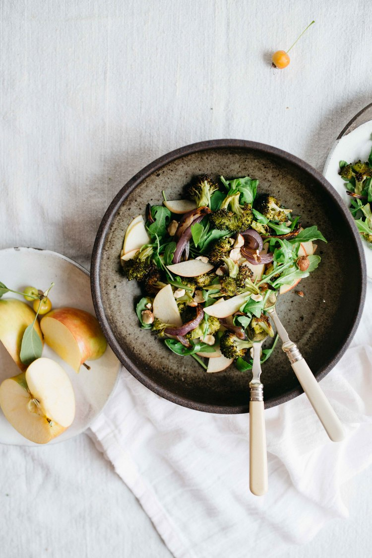 charred broccoli & red onion salad w/ shaved apples & arugula