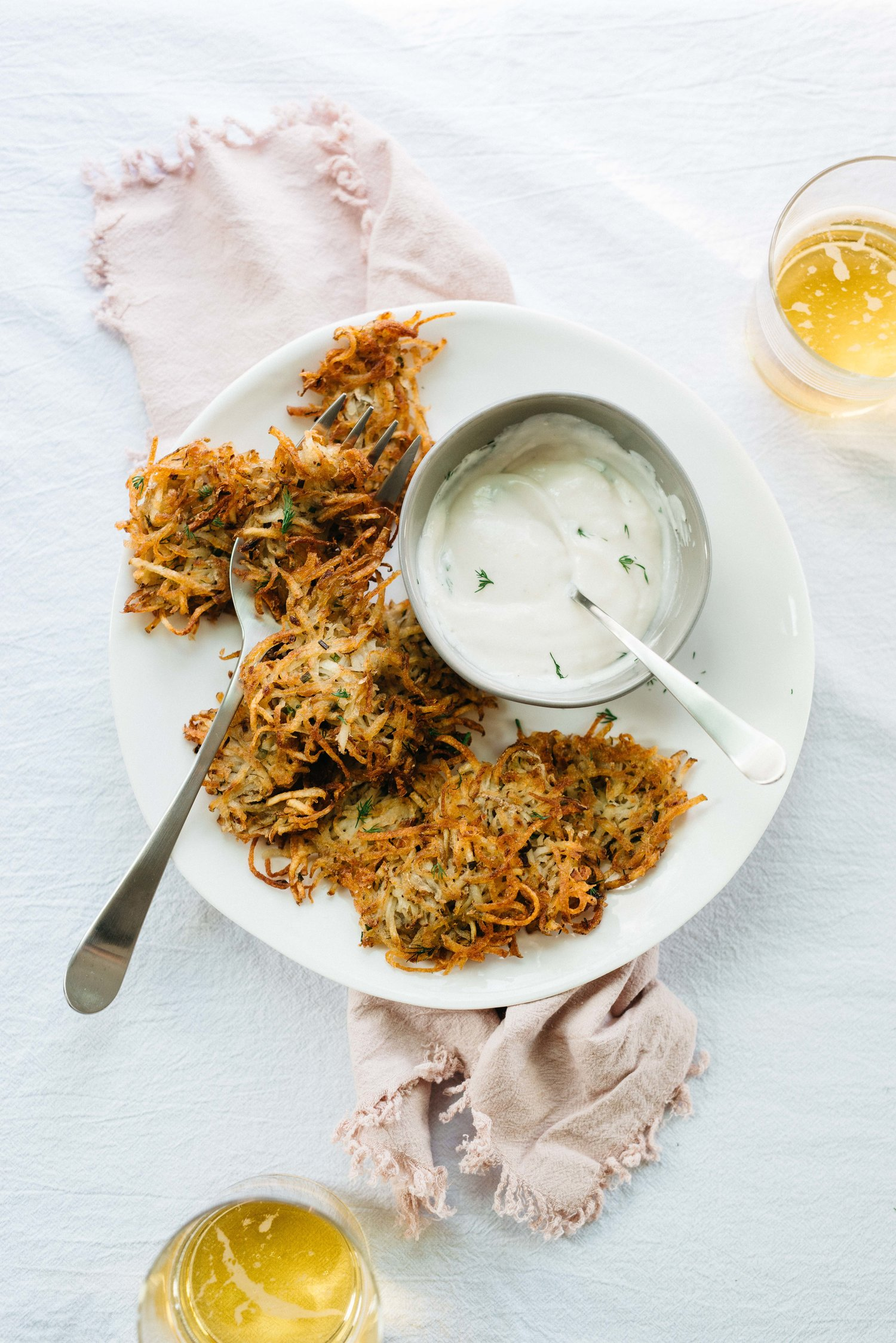 potato latkes w/ horseradish, shallots & herbs