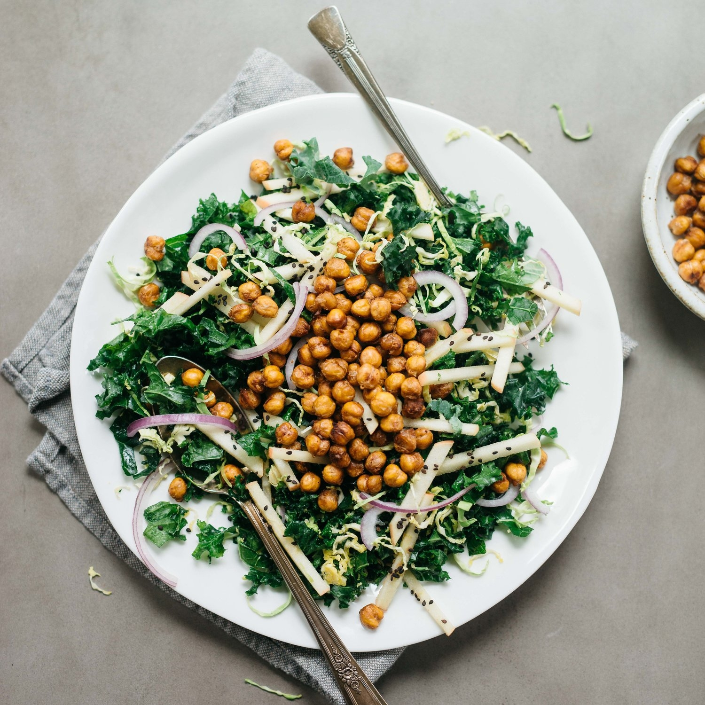 garlicky tamari roasted chickpea salad