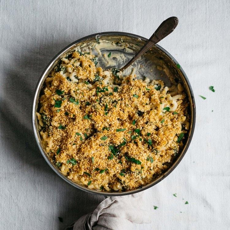 crusty baked .vegan alfredo w/ caramelized shallots & kale