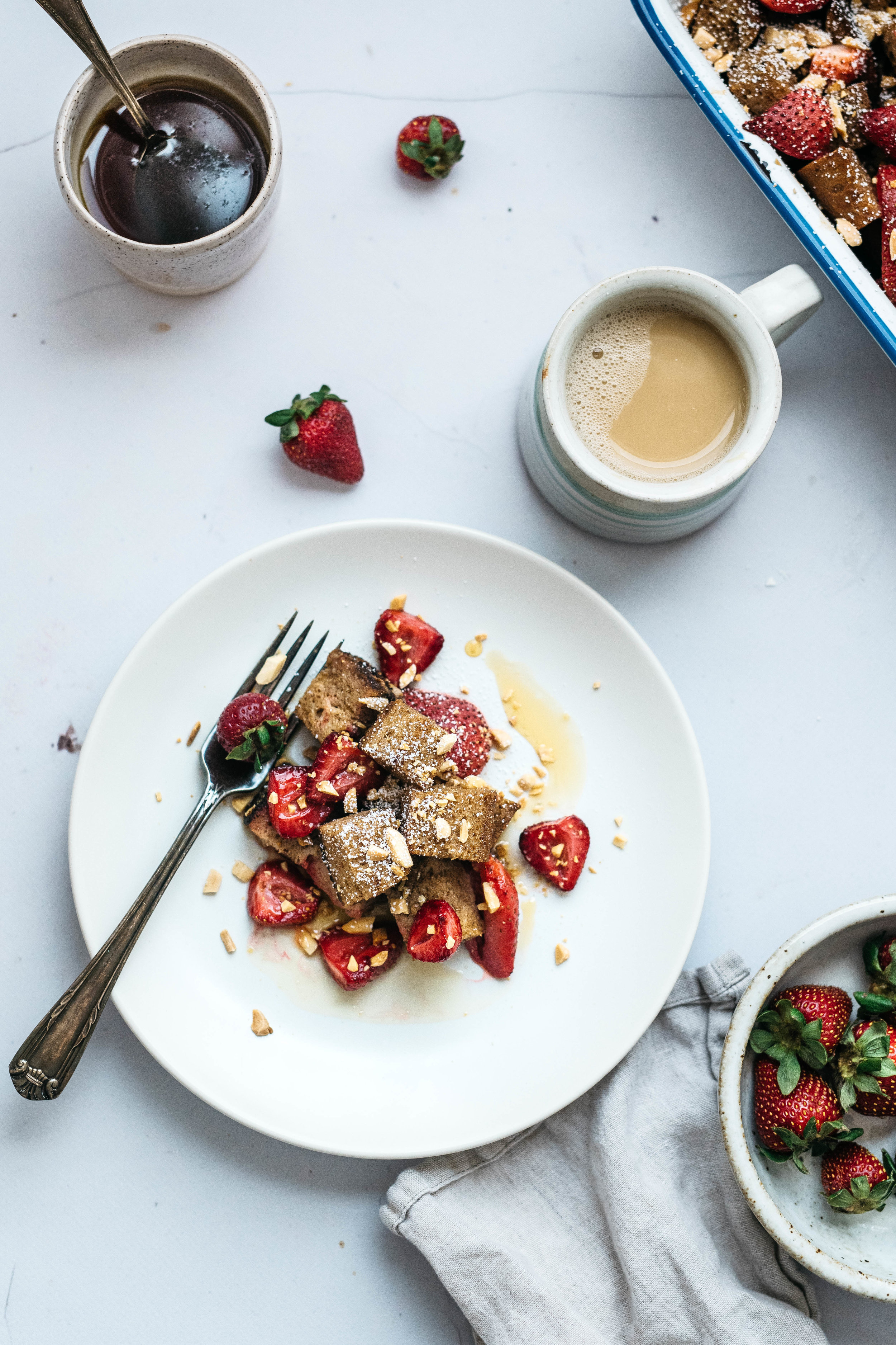 STRAWBERRY BAKED FRENCH TOAST   dolly and oatmeal