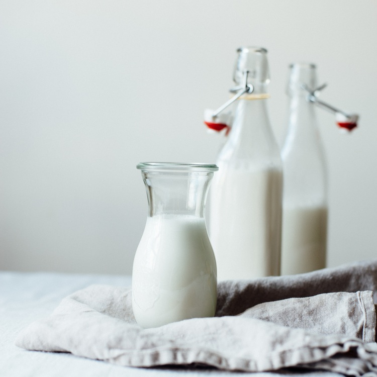 macadamia-almond milk