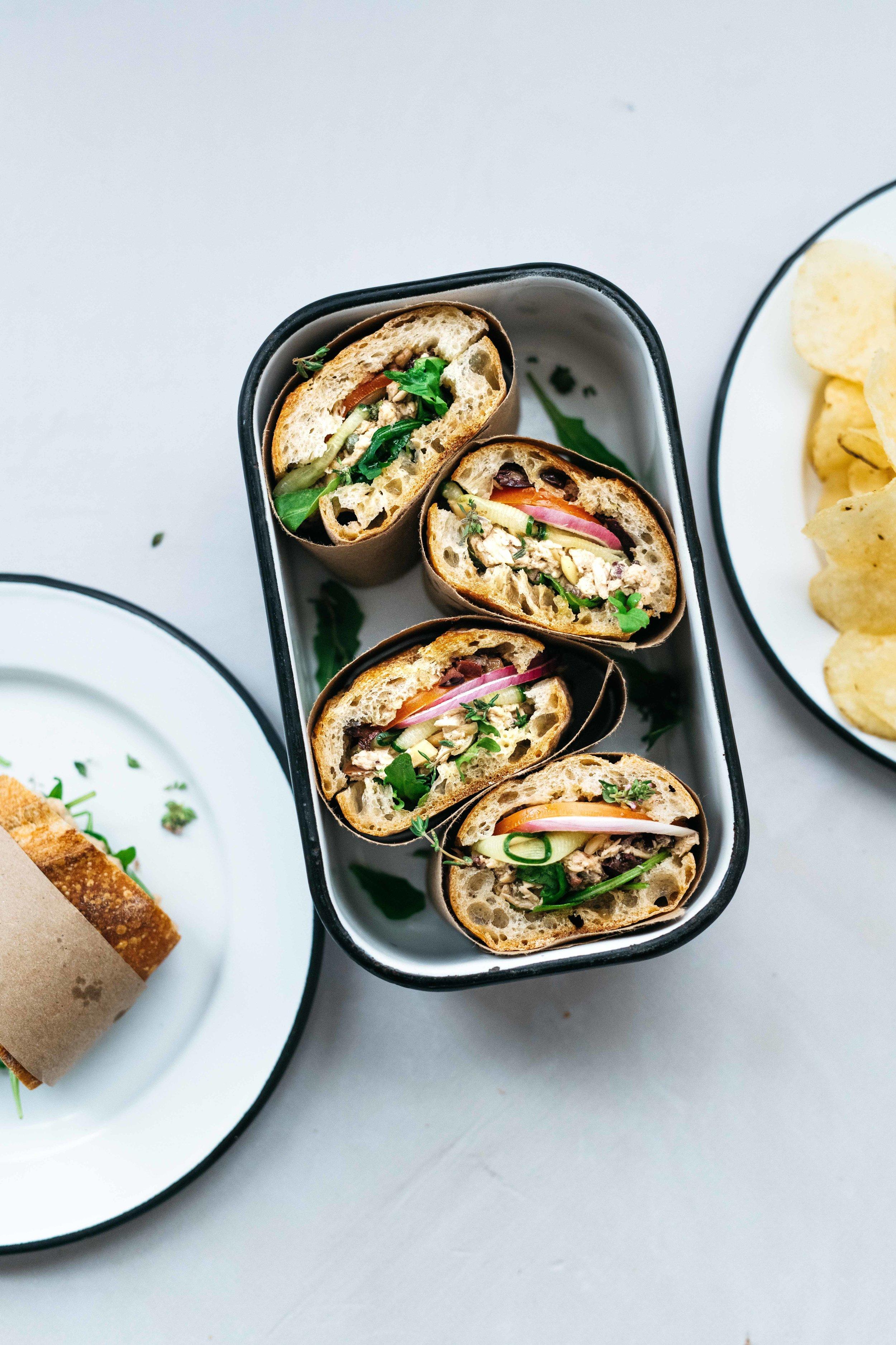 BEACH-READY NIÇOISE SANDWICH (AKA PAN BAGNAT)