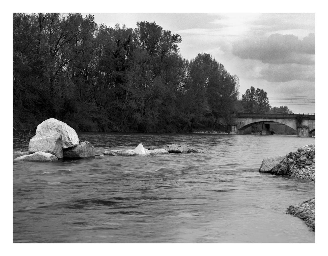 Apr. 2017 - Sulle sponde del fiume (Ticino presso Trecate - Novara) - 4x5 Tmax100