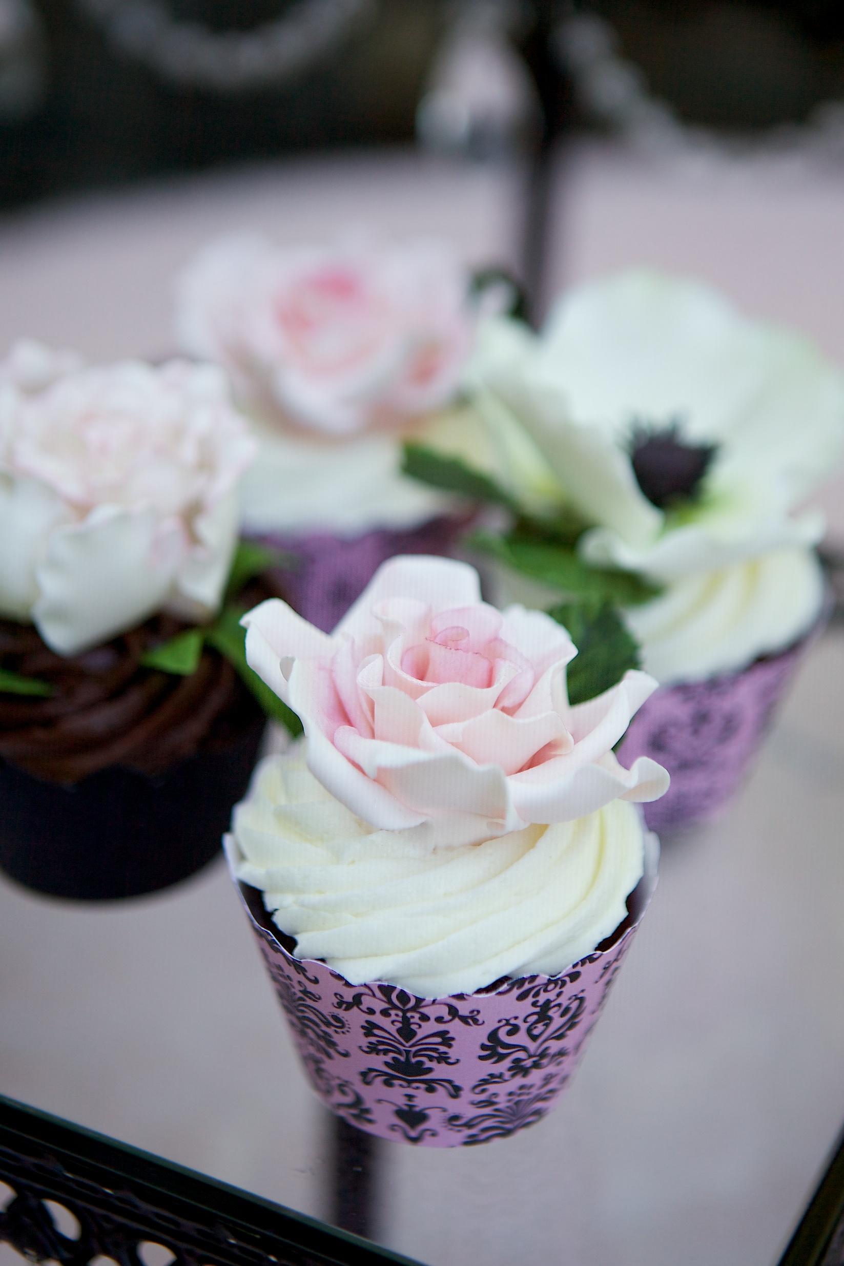 """""""matching sugar flower cupcakes"""""""